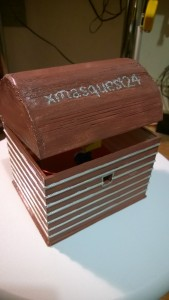 3D-tulostettu ja maalattu arkku
