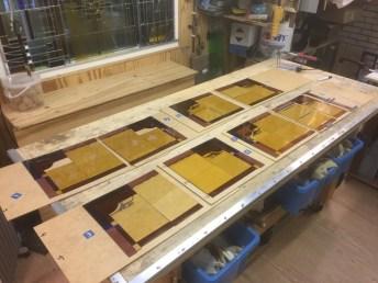 Samenstellen nieuwe glas in lood ruiten