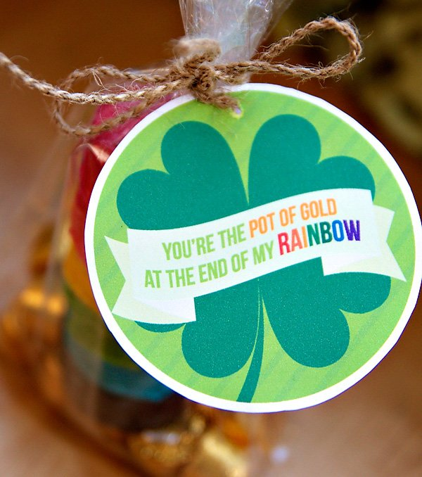 Shamrock Favor Tag - Free St. Patrick's Day Printables