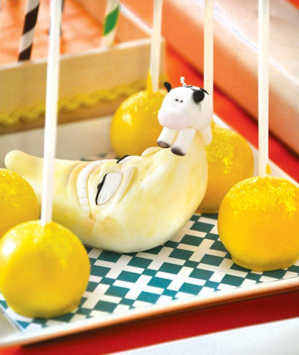 cow over the moon cake pops
