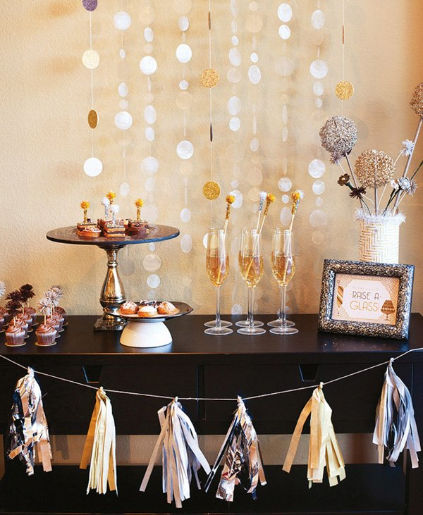 silver and gold party ideas - drinks dessert and centerpiece