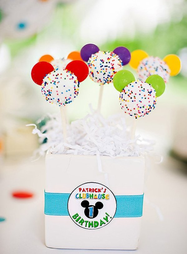rainbow mickey mouse cake pops
