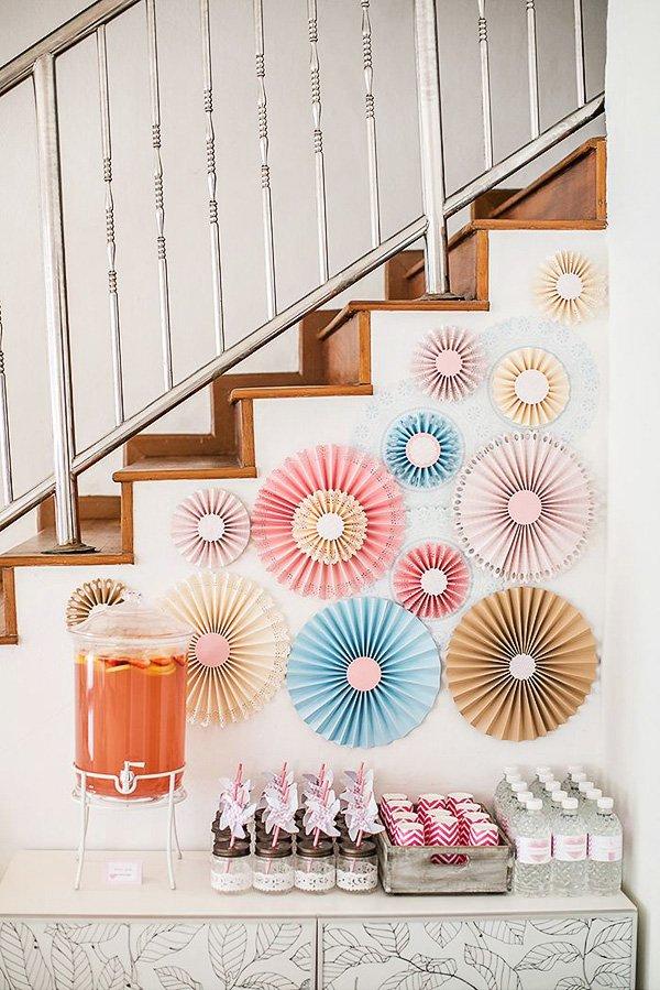 pink pinwheel decorated drinks table