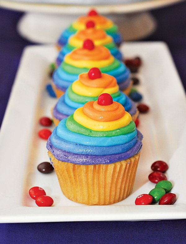 layered frosting rainbow cupcakes