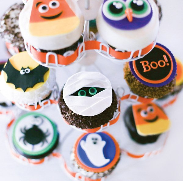 halloween party monster cupcakes