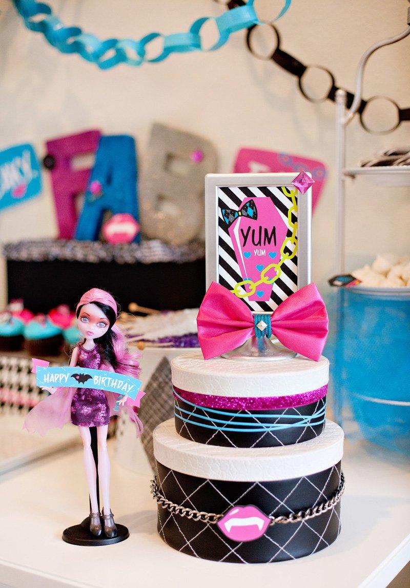 Monster High Birthday Party Centerpiece Idea