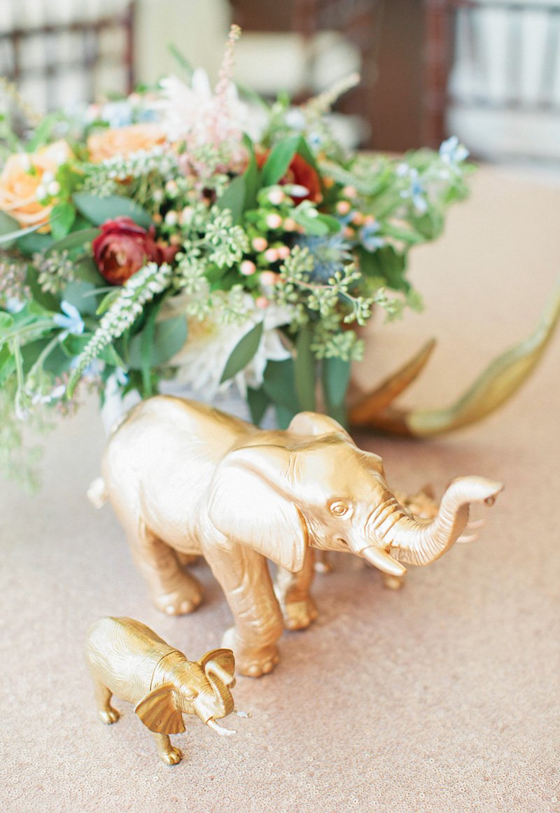 gold-animal-figurine-centerpiece