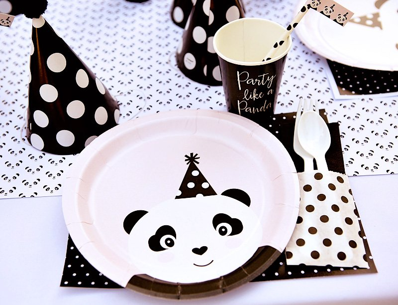 "Playful ""Party Like A Panda"" Birthday Party // Hostess"