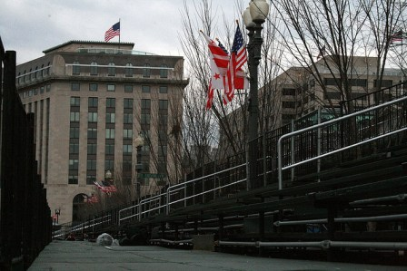 Photo of 2009 inauguration grandstands courtesy of Flickr user : rebecca : http://bit.ly/UpueYd