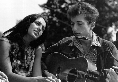 Folk singers Joan Baez and Bob Dylan perform during a civil rights rally on August 28, 1963 in Washington D.C. Photo courtesy of Wikimedia Commons