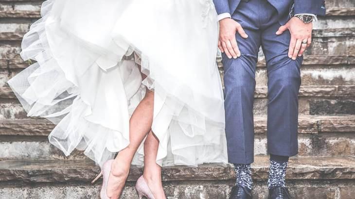 【新郎の靴をお探しの方必見!】結婚式のシークレットシューズはネットで安く購入できる!