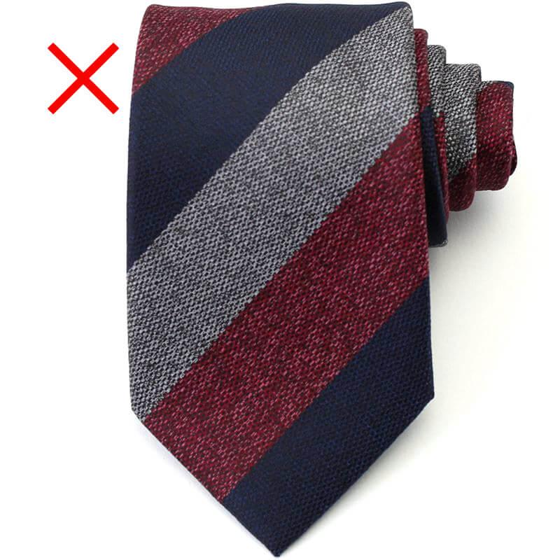 太いストライプ ネクタイ 就活
