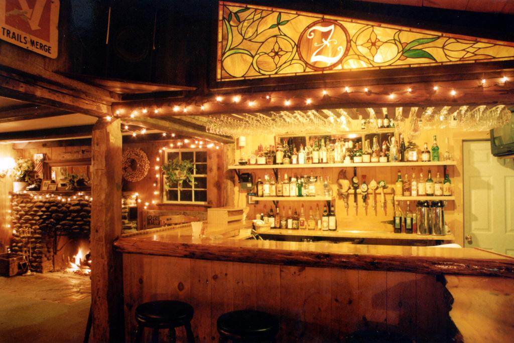 2001 Hyde Away Tavern