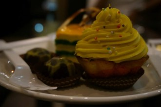 Le Cafe Hyderabad - Mango Cupcakes and Truffle