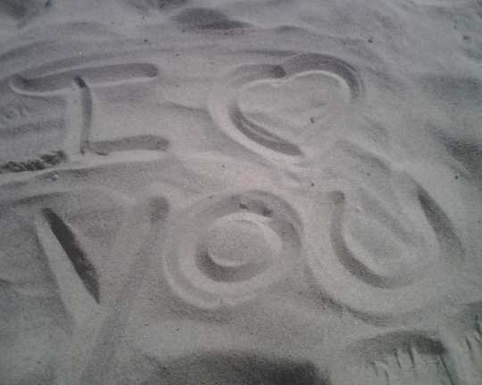 112609 IMG00505 - I Love You in Sand!!