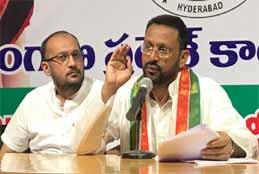 Congress Slams TRS Govt For Bad Roads, Water Logging