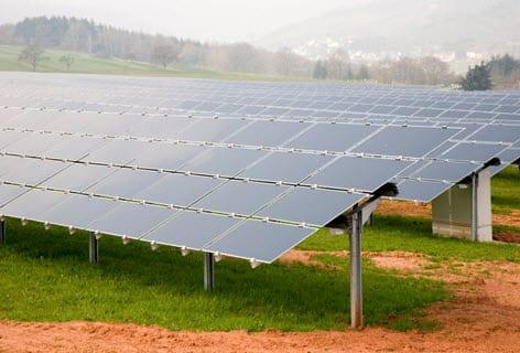 Saudi Arabia to build first solar farm in 2013