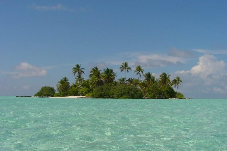 The Maldives strives for carbon neutrality with the help of solar power