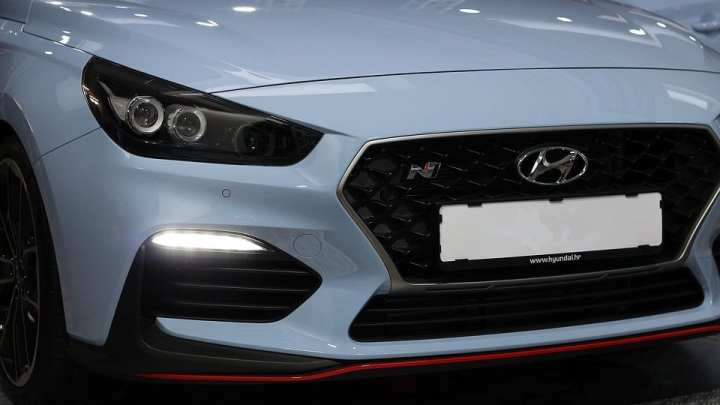 Hyundai favors fuel cell vehicles over battery electrics