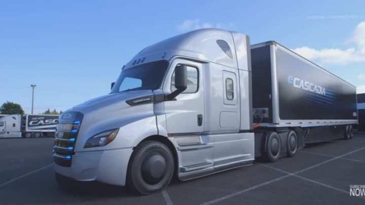 Daimler unveils the neweCascadia