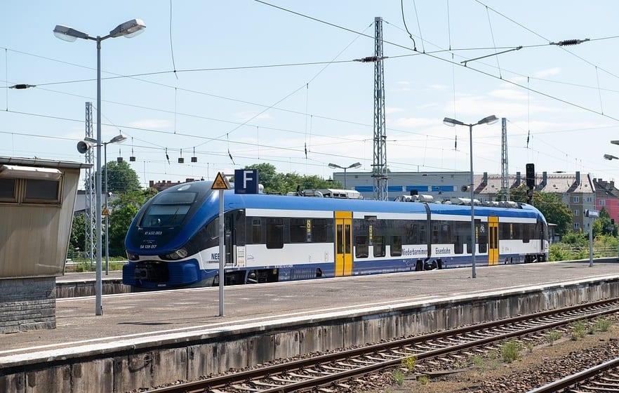 Cordia iLint hydrogen train receives green light for passenger service