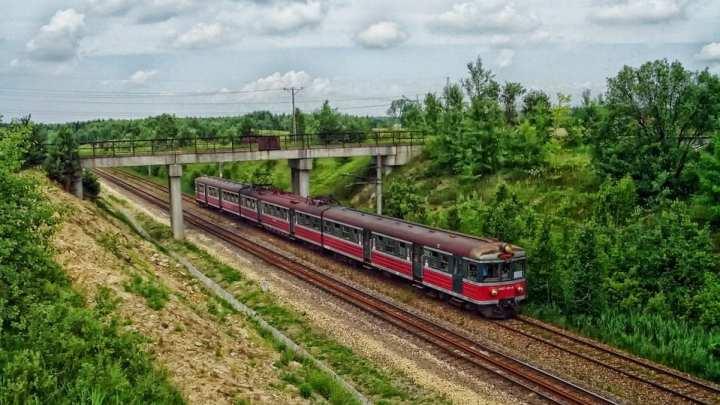 Poland explores possibility of hydrogen fuel trains
