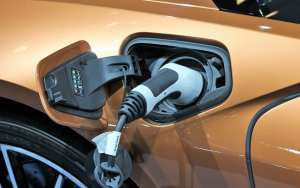 hydrogen charger - EV battery charging of BMW i8