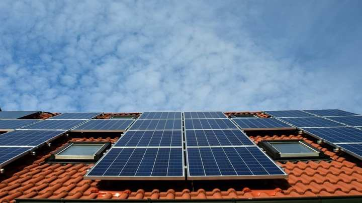 Artificial intelligence system locates nearly all US solar panels in the country