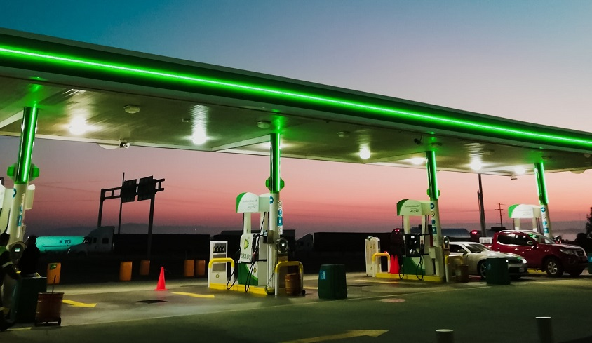 A hydrogen refueling station explosion in Norway halts FCEV car sales
