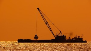 fuel cell vessel - image of dredger at sea