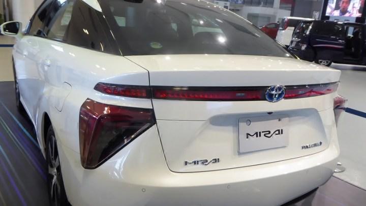 StratosShare hydrogen fuel car share program adds five to its California fleet