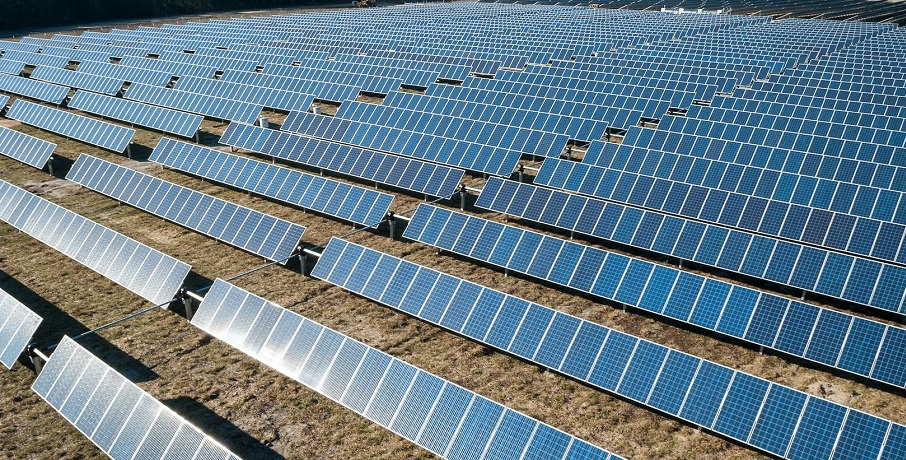 The largest solar farm in the UK prepares to become reality