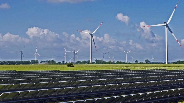 US renewable energy provided 100% of new power generation capacity