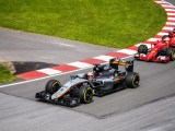 Hydrogen fuel cars - image of F1 cars racing