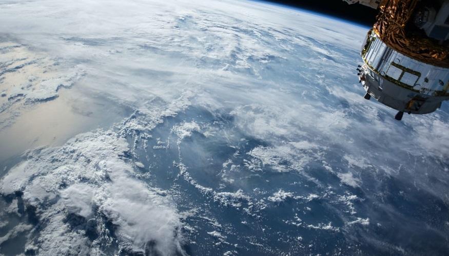 Liquid hydrogen fuel and oxygen send Jeff Bezos to space in New Shepard