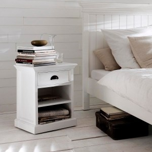 How to Choose the Ideal Bedside Table