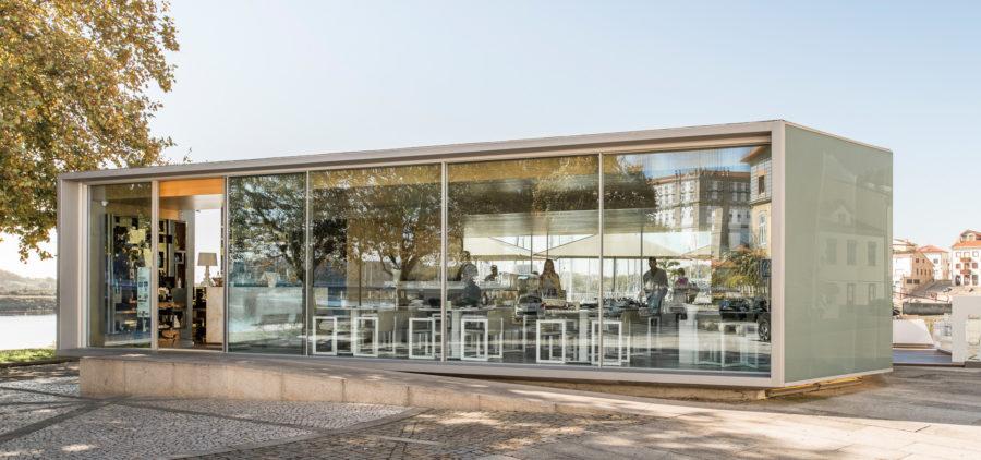 Baie vitrée coulissante hyline pour restaurant