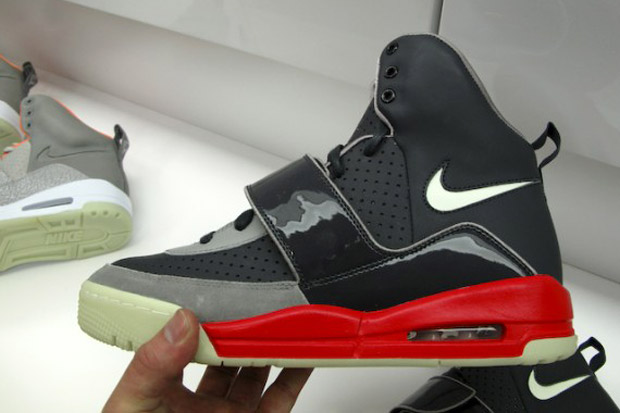nike air yeezy fire red colorway Nike Air Yeezy Fire Red Colorway
