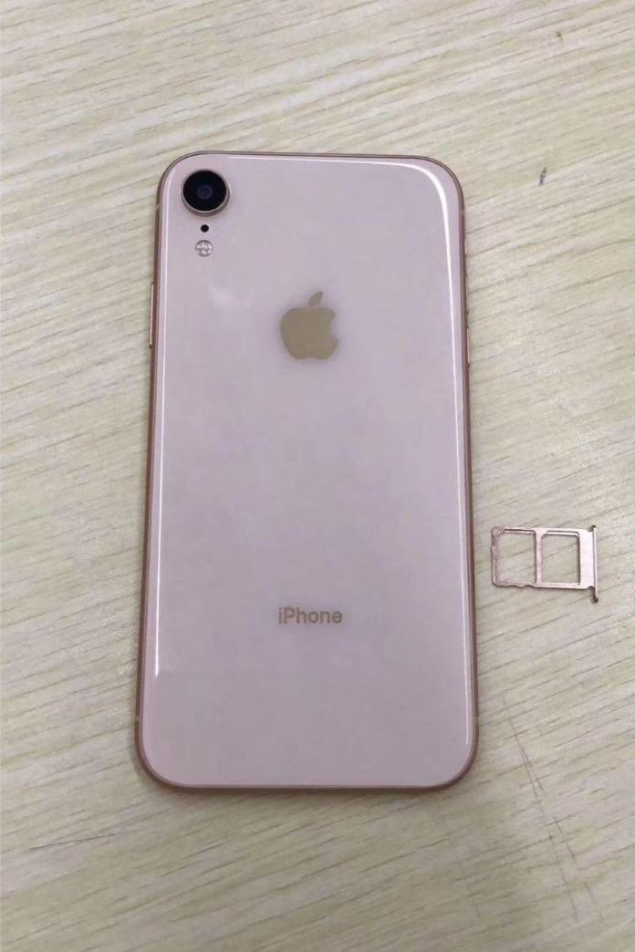 Leaked Pics Show Apple s New (2)