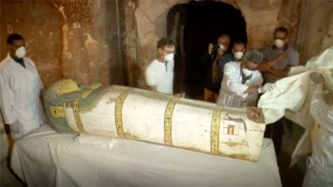 Egypt Discovers a New Mummy!…A Woman's Body Found Inside!