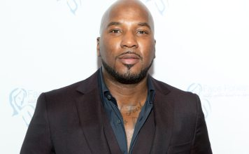 Jeezy Helps a family whose