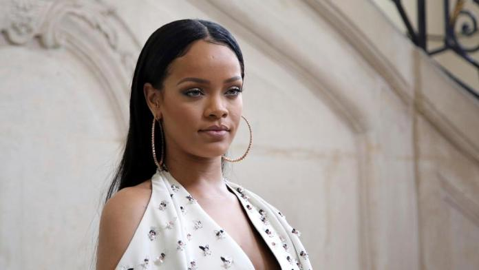 Rihanna Confirmed on Twitter