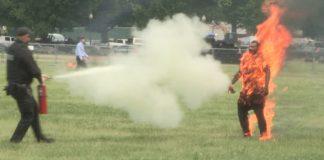 Man sets himself on fire near