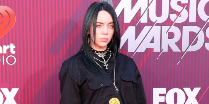 Billie Eilish Wears Baggy Clothes So She Won T Be Body