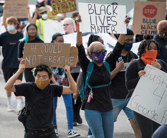 Protestors In Walnut Creek March To Abolish Police