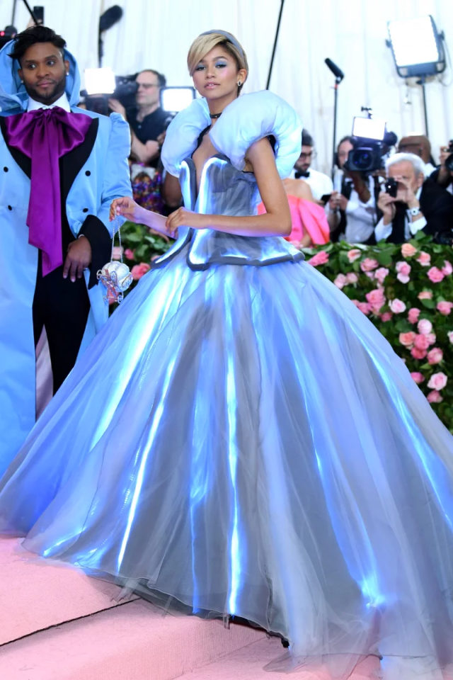 Zendaya Wore A Whole Light Up Ballgown To The 2019 Met Gala