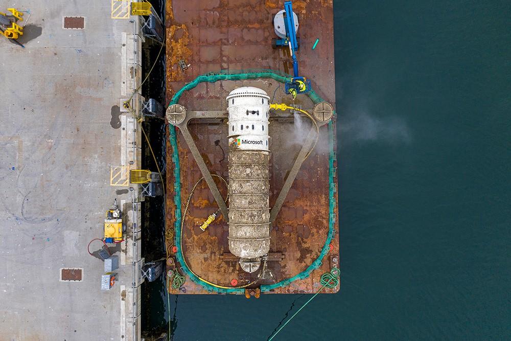 Microsoft underwater data center pod