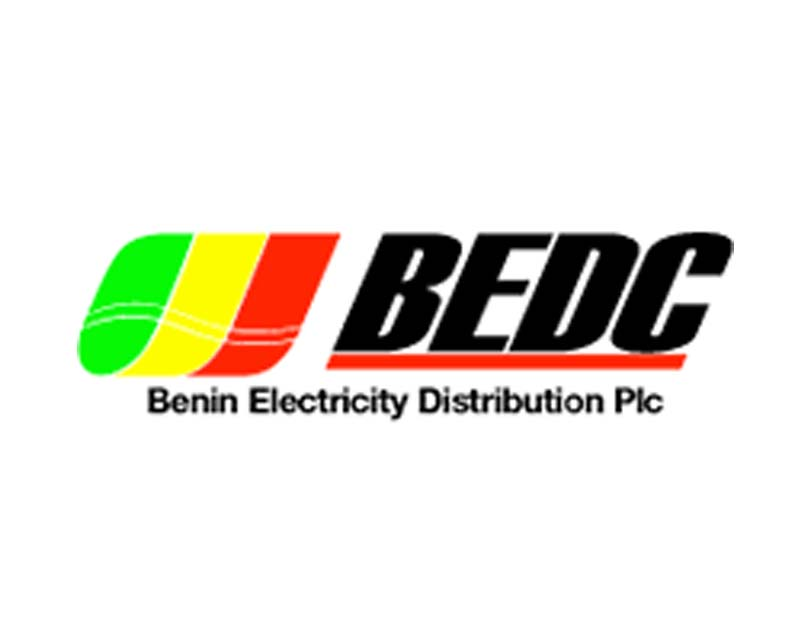 Video: Man fights with BEDC (disco) officials