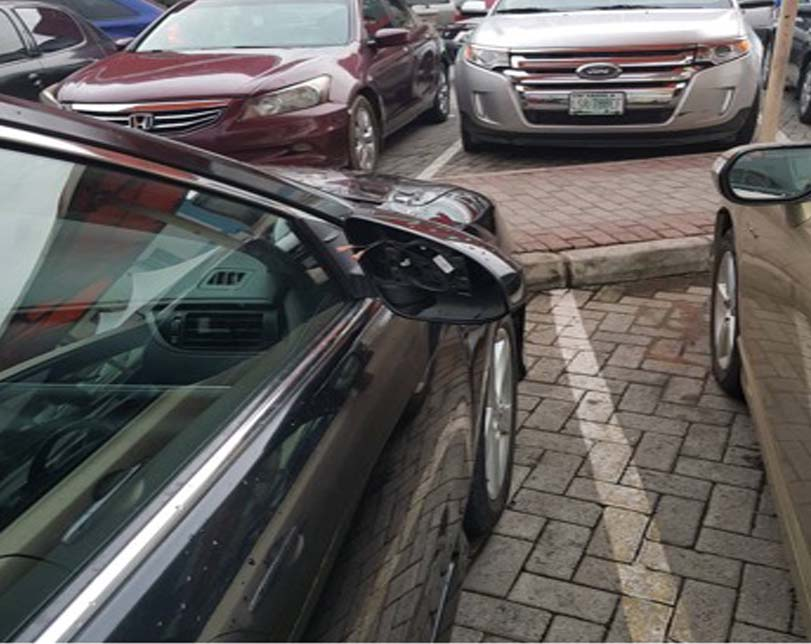 Man narrates how security men insulted him after his side mirrors were stolen at a mall
