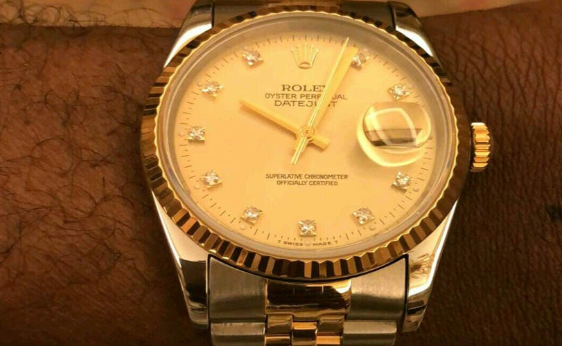 Photos: Davido buys a Rolex for each member of his crew in celebration of his 25th birthday today